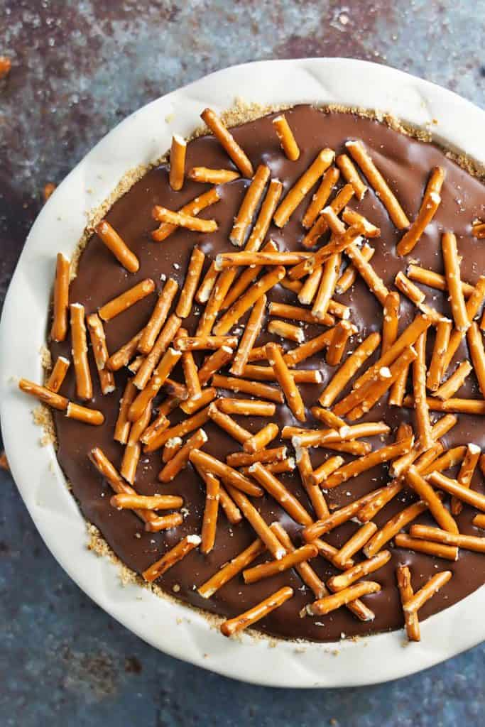 Chocolate Peanut Butter Pretzel Pie