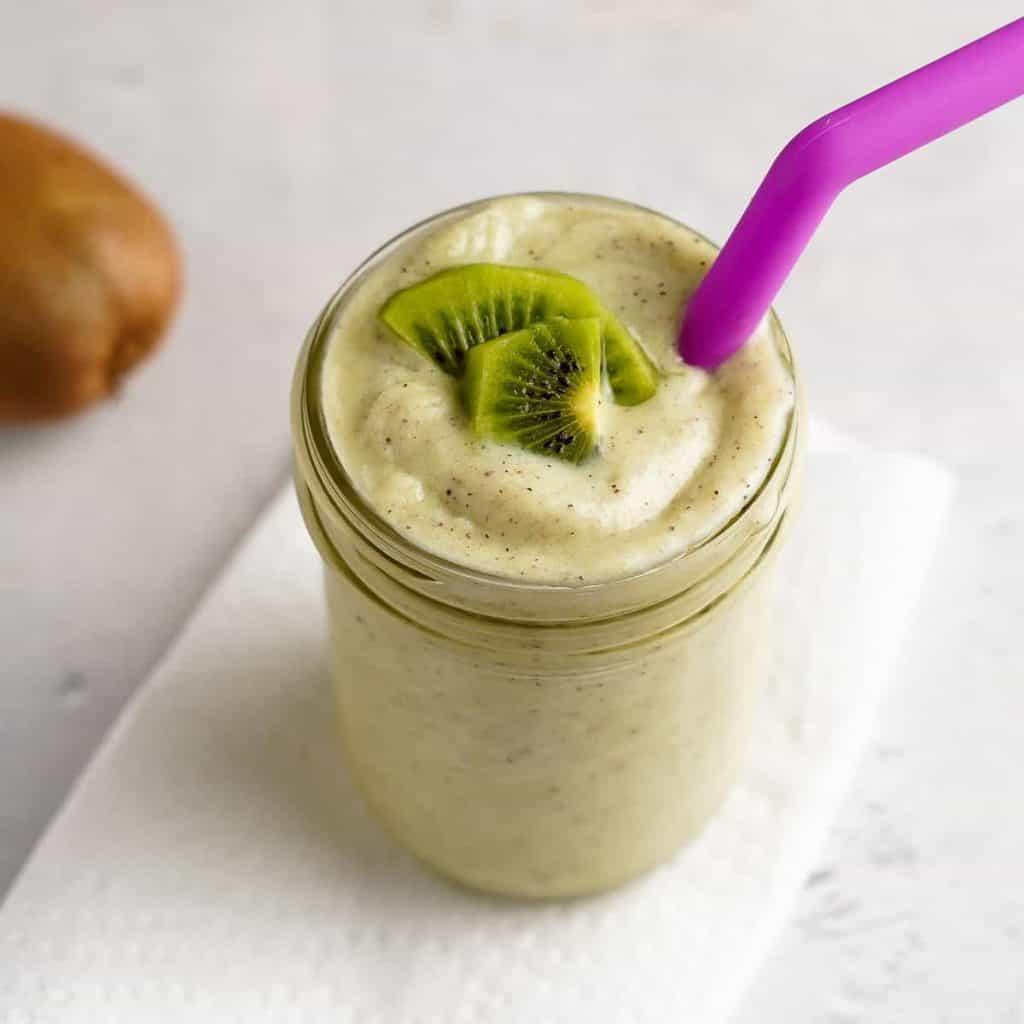 Kiwi Banana Smoothie in a Glass Jar