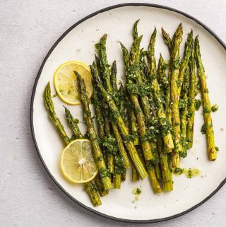 Lemon Herb Roasted Asparagus Close up on Plate