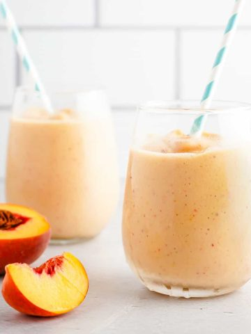 Banana Peach Smoothie in 2 Glasses