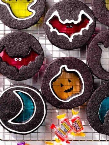 Halloween windowpane cookies FI